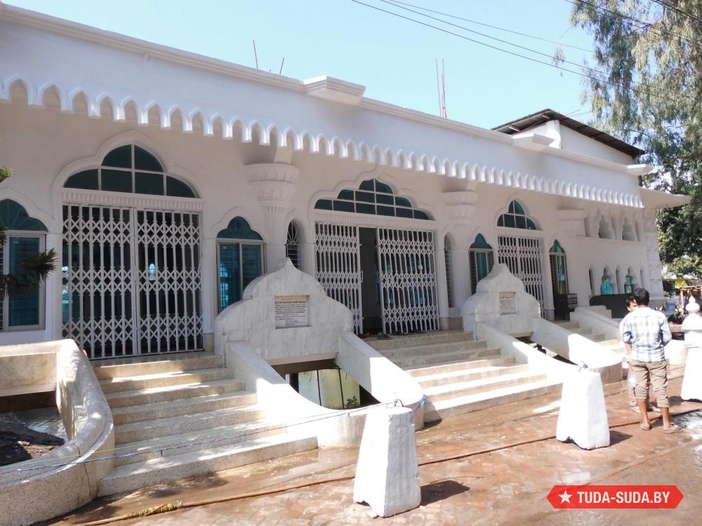 Мечеть Лалдиги Джаме Мосджид